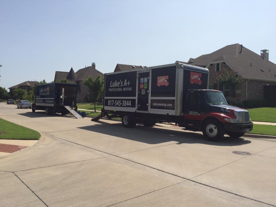 image of moving truck in euless texas